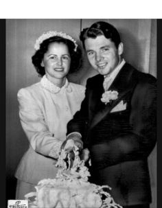 Decorated war hero & famous film star, Audie Murphy, married Pamela Archer in 1951.