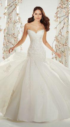 Sophia Tolli Spring 2014 Bridal Collection | bellethemagazine.com