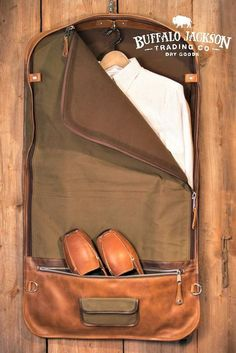 Amazing collection of rugged men's leather and waxed canvas luggage by Buffalo Jackson Trading Co. Impressive quality and attention to detail. travel bags | duffle bags | garment bags