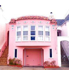 photo of a beautiful pink + turquoise fassade - by patrix15