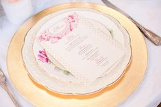 Gold-and-Pink-Vintage-Wedding-Place-Setting | photography by http://www.henrymasciphoto.com/