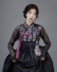 한복 hanbok : korean traditional clothes dress hanbok in 2019 k Korean Fashion Winter, Korean Fashion Trends, Korean Street Fashion, Asian Fashion, Korean Traditional Clothes, Traditional Fashion, Traditional Dresses, Korean Dress, Korean Outfits