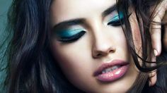 Adriana's got the blues...and we want them too. Love this color on you!