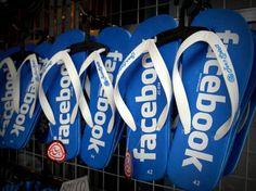 Es gibt also durchaus gute Gründe, um sich nach #Facebook Alternativen umzusehen. In unserer Sammlung befinden sich komplette Netzwerke wie Diaspora und Google+ genauso wie Nischennetzwerke wie Pinterest oder Path, die im Vergleich zu Facebook einen deutlich reduzierten Funktionsumfang besitzen.