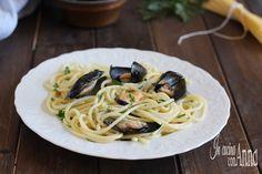 Gli spaghetti alle cozze sono un primo piatto tanto semplice e veloce da preparare,economico quanto gustoso e saporito.