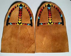 Nice Native American Moccasins, Native American Regalia, Native American Beadwork, Beaded Moccasins, Moccasins Mens, Baby Moccasins, Loom Beading, Beading Patterns, Beading Ideas