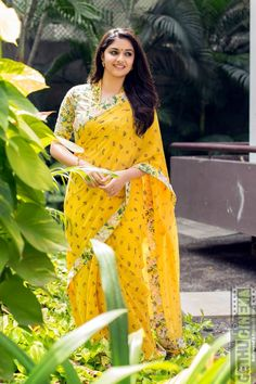 Keerthy Suresh in Yellow Saree South Indian Actress Photo, Indian Actress Photos, Bollywood Actress Hot Photos, Bollywood Style, Beautiful Girl Indian, Most Beautiful Indian Actress, Beautiful Saree, Kerala Saree Blouse Designs, Indische Sarees