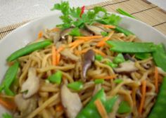 The Modern VEGETARIAN - Recipes: Stir-Fried Mushroom Noodle