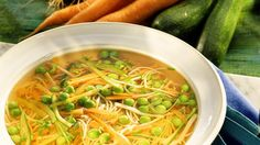 Gemüse-Nudelsuppe