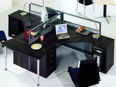Ignazio Office Workstation Photo by wasidi_album