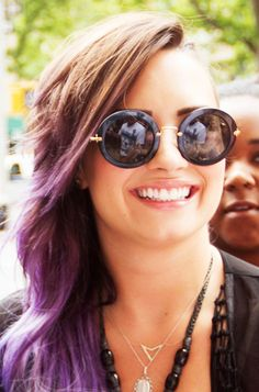 Demi Lovato's Sunnies LOVE THEM!!!!!