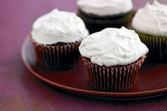 Fans of cream cheese frosting will like this Vanilla Creme Frosting made with a blend of cream cheese, marshmallow creme and whipped topping.