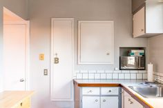 House Tour: Relaxed, Organic Style Meets Modern Lines | Apartment Therapy