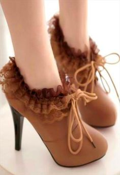 Beautiful Lace Decorated High Heel Shoes