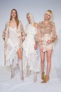 Zimmerman at New York Fashion Week Spring 2017 - Backstage Runway Photos Source by karolinasa fashion dresses New York Fashion, Fashion Week, Fashion 2017, Runway Fashion, Spring Fashion, High Fashion, Fashion Show, Womens Fashion, Fashion Design