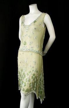 I just really love 1920s fashion.