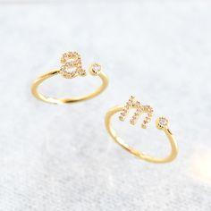 Gold Jewelry Simple, Stylish Jewelry, Cute Jewelry, Fashion Jewelry, Gold Fashion, Fashion Necklace, Jewelry Gifts, Initial Jewelry, Initial Rings