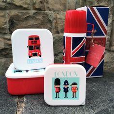 Fiambreras exclusivas de diseño Londinense. Ideales para las meriendas en el parque o los almuerzos en la oficina. ¡Tampoco te pierdas los termos con la bandera! #fiambreras #tupperwares #londres