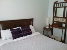 Queen bed downstairs