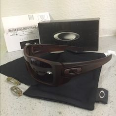 authorized oakley dealers online j5ga  Oakley Batwolf Polarized Authentic Oakley Accessories Sunglasses