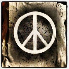 DIY peace shirt shirt + stencil + fabric paint