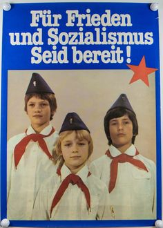 """DDR Museum - Museum: Objektdatenbank - """"Pioniere"""" Copyright: DDR Museum, Berlin. Eine kommerzielle Nutzung des Bildes ist nicht erlaubt, but feel free to repin it!"""