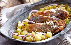 Kapr na víně s lehkým bramborovým salátem