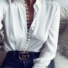 Love this blouse it reminds me of a wedding dress and/or a peasant, steampunk top.