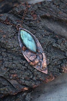 Labradorite copper pendant - Enchanted lake