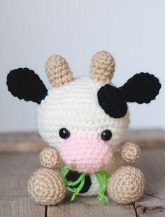 PATTERN: Crochet cow pattern amigurumi cow por TheresasCrochetShop