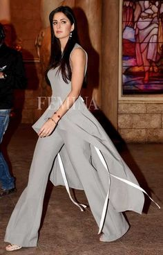 We can't stop tracking Katrina Kaif's killer fashion choices. From dresses to ripped denims, she sports everything with equal elan. Bollywood Outfits, Bollywood Girls, Bollywood Celebrities, Bollywood Fashion, Bollywood Stars, Katrina Kaif Images, Katrina Kaif Photo, Beautiful Bollywood Actress, Most Beautiful Indian Actress