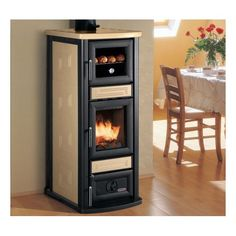 Palazzetti Stella avec four Tiny Wood Stove, Airstream Living, Wood Burning Oven, Wood Stove Cooking, Kitchen Storage Hacks, Stove Fireplace, Wood Burner, Modern Fireplace, Diy House Projects