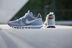 Nike Wmns Internationalist JCRD Wolfgrey-White - 725063-002