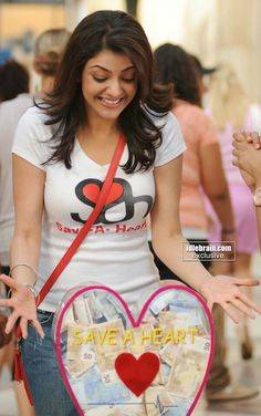 Kajal agarwal cutest face unseen latest images of her body show and navel pics with hot sexy big cleavage and bikini photos collection. Actress Pics, Indian Film Actress, Indian Actresses, Beautiful Girl Indian, Most Beautiful Indian Actress, Beautiful Actresses, Kajal Agarwal Saree, Cinema Actress, Cute Girl Pic