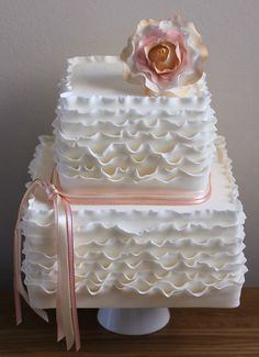 @KatieSheaDesign ♡♡ #Cakes♡♡ Ruffle cake inspired by Maggie Austin by Fays cakes, via Flickr
