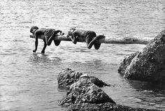 ITALY, Reggio Calabria: Children near the sea. © Ferdinando Scianna/Magnum Photos