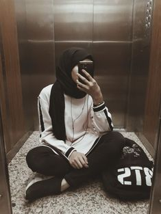 Niqab Fashion, Modest Fashion Hijab, Modern Hijab Fashion, Street Hijab Fashion, Casual Hijab Outfit, Hijab Chic, Muslim Fashion, Fashion Outfits, Hijabi Girl