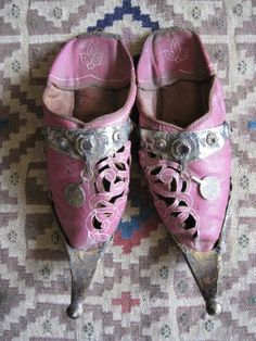 http://chicerman.com  ledecorquejadore:  Moroccan slippers  #menshoes