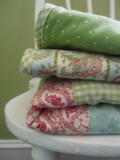 beautiful flannel floral quilt...so cozy