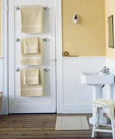 Фотография: Ванная в стиле Кантри, Интерьер комнат, идеи для ванной комнаты, места хранения, как организовать места хранения в ванной – фото на InMyRoom.ru