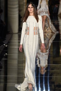 Zuhair Murad Frühjahr/Sommer 2016 Haute Couture - Fashion Shows Fashion Week Paris, Runway Fashion, High Fashion, Fashion Show, Fashion Outfits, Fashion Design, Haute Couture Style, Spring Couture, Collection Couture
