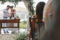 Hoje eu estava fazendo o Live do Instagram (nova funcionalidade do aplicativo), e uma noivinha pediu ideias sobre Mini Wedding. Acho que esse post não poderia ser mais propício, hehe! a Renata e o Marcos moram em SP, estão juntos há um tempo e inclusive esse amor já gerou frutos, que é a Barbara, filha …