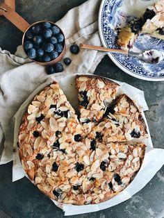 Coconut, almond and blueberry cake – Windmill Dreams Easy Cake Recipes, Sweet Recipes, Lemon Recipes, Bluberry Cake, Baking Bad, Frangipane Tart, Lime Cake, Almond Cakes, Coconut Cakes