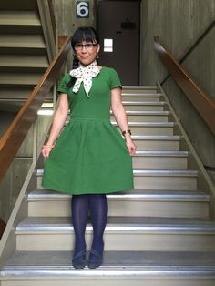 Loving this simple and bright green dress for work! #workappropriate #green
