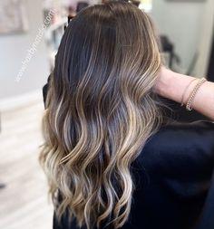 Balayage Hair Salon, Balayage Brunette To Blonde, Brown Hair Balayage, Hair Color Balayage, Balayage Hair For Brunettes, Balayage With Highlights, Highlighted Hair For Brunettes, Brown Balyage, Brunette Hair With Highlights