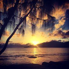 Which is your favourite Cairns sunrise picture a or b ?www.trinitybeachfront.com.au #cairns deannekalda sarahclark #trinitybeach