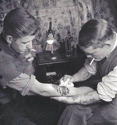 Tattoo artist, 1920s