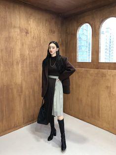 Korean Girl Fashion, Korean Fashion Trends, Asian Fashion, Vintage Street Fashion, Retro Fashion, Womens Fashion, Frock Fashion, Fashion Outfits, Dark Fashion