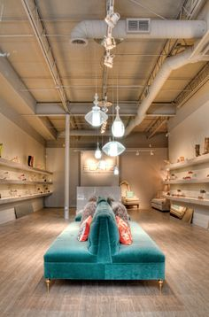 "shoe store | ""flatz"" 