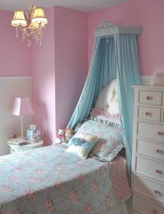 Big Girl Princess Room with Tufted Headboard - #princessroom #biggirlroom